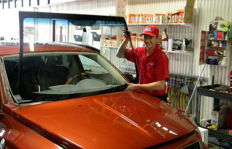 The Difference in OEM and Aftermarket Windshields