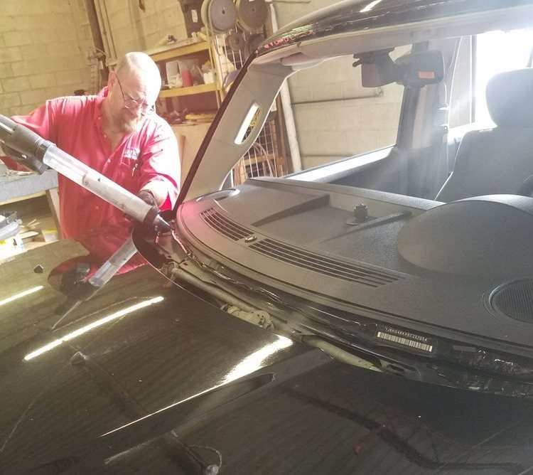 Windshield Repair Near Me >> Auto Glass Repair Mark S Mobile Glass